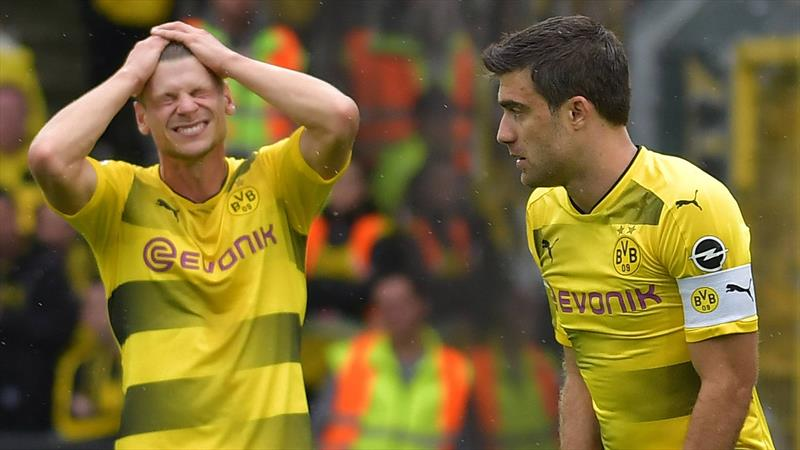 Dortmund'un yıldızları zehirlendi!