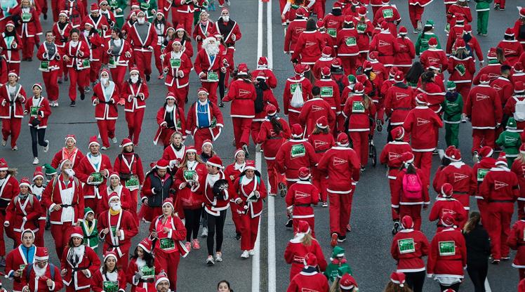 Madrid'de Noel Baba koşusu!