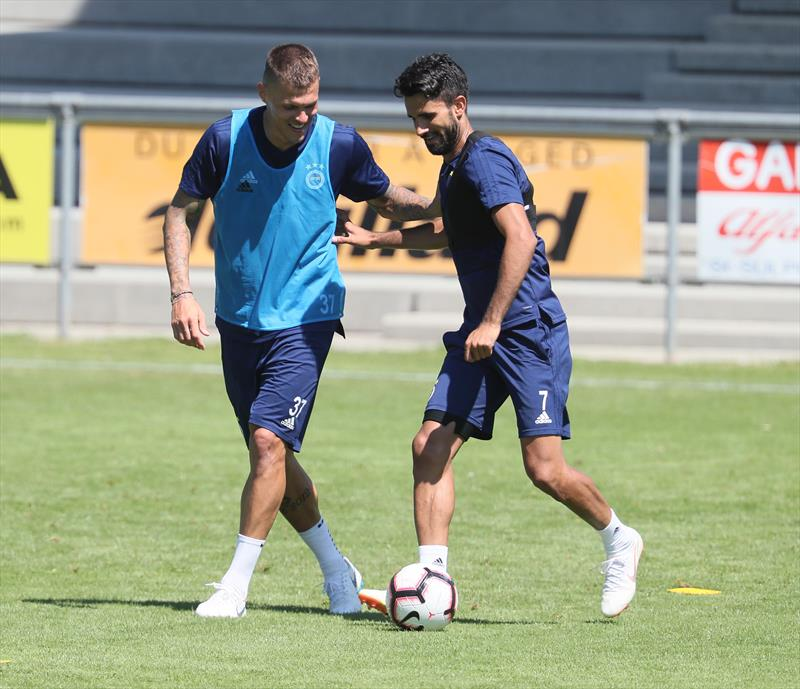 Fenerbahçe'nin yeni transferleri kampa katıldı!
