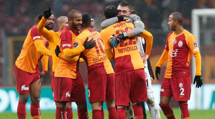 Galatasaray'da 3 isim 11'e dönüyor!